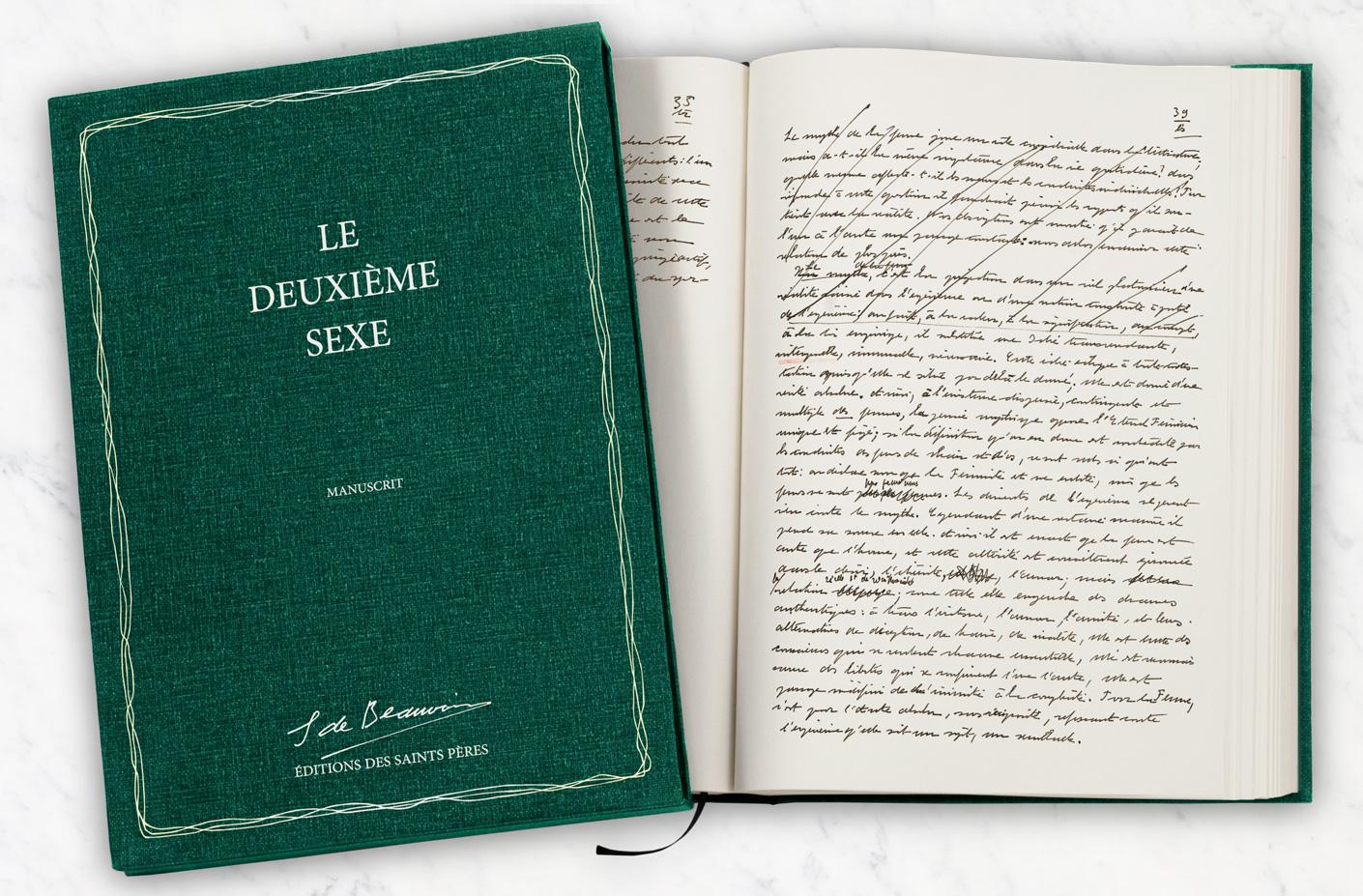 le coffret et le livre ouvert d l'édition manuscrite du Deuxième sexe