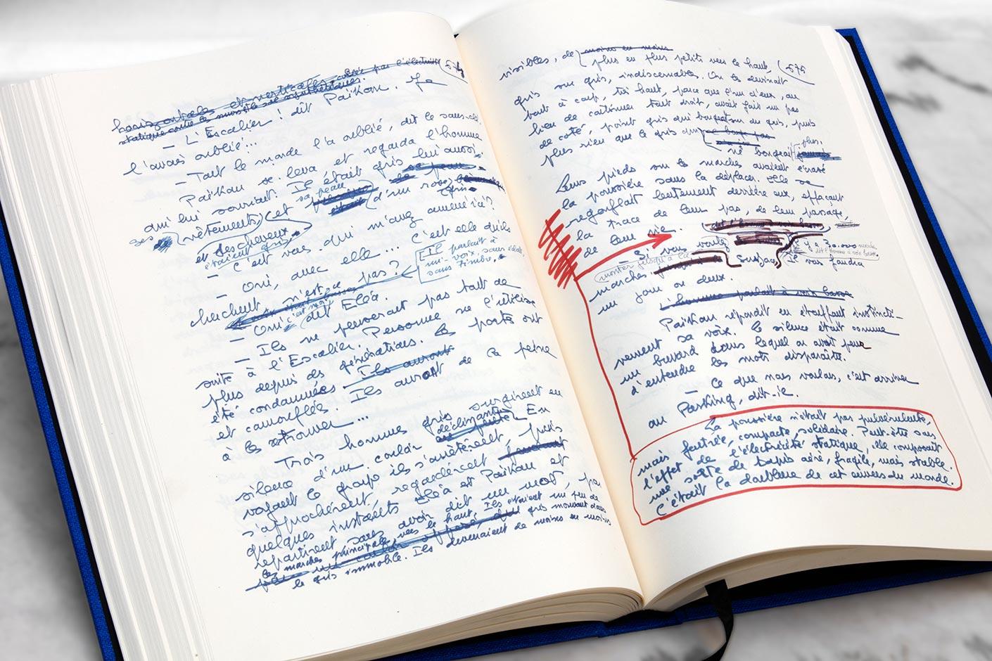 Le manuscrit de la Nuit des temps de René Barjavel - livre ouvert